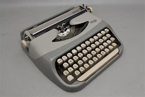 We buy and sell Classic Typewriters